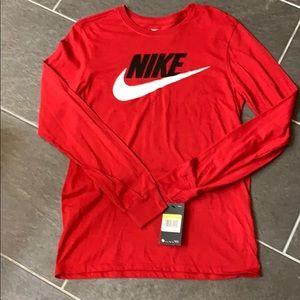 Men's Nike shirt